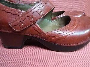 Dansko Leather Burgundy Mary Jane Shoes Sz 39 EU 9